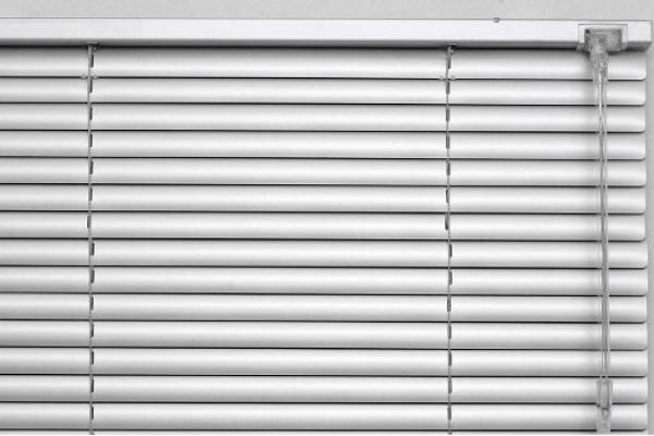 02-venetian-blinds77B5D356-8D51-9C67-B806-214BCF9B9A57.jpg