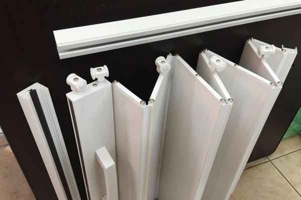 02-pvc-folding-door93DCC18D-ED28-2511-F3BC-7FA5395A16B0.jpg