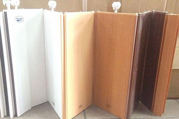 04-pvc-folding-doorC76CE933-888F-E415-A6B9-0B4B2D1F719E.jpg