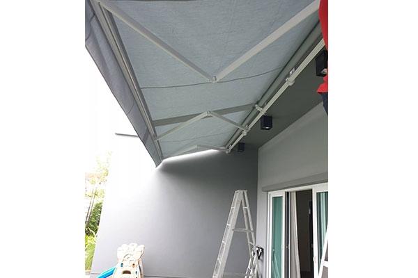 110-retractable-awningsF12755D8-1720-2BDE-AE58-94A4249B7266.jpg