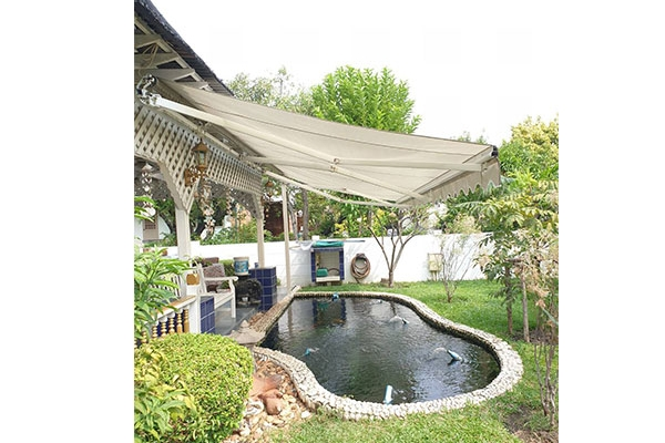 36-retractable-awnings4B956628-20C7-0887-F9AB-CBCD3213AFE1.jpg
