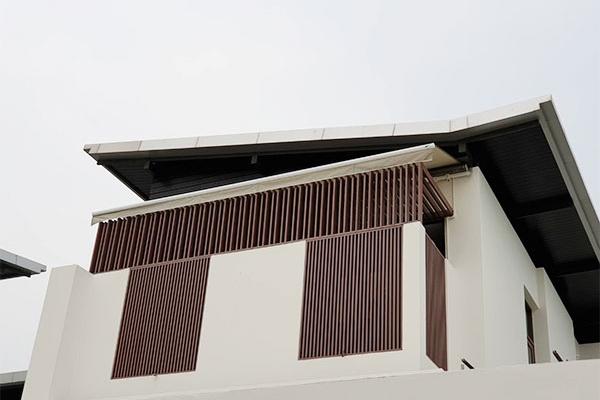 41-retractable-awnings7A402245-B382-E551-D8F2-B5D2F16C6FA0.jpg
