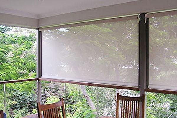 21-drop-vertical-awning7D80D31A-B75D-C8BD-1BF3-DDBCEE8907B9.jpg